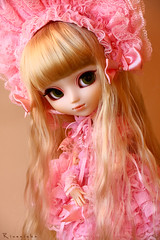 Lolita inside, pink outside ~ dedicated to su-chan (Rinoninha) Tags: pink cute outfit doll cream rosa lolita kawaii pullip traje mueca angelicpretty sfoglia tiphona