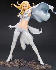 Figura Marvel Emma Frost X-Men Bishoujo (Acero y Magia) Tags: xmen marvel kotobukiya figura bishoujo emmafrost