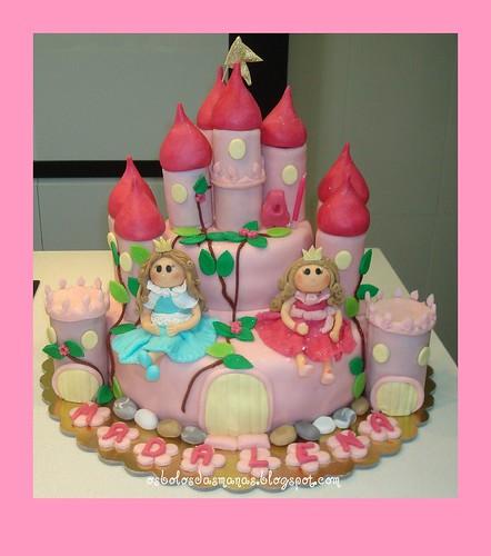 Bolo Castelo Princesas Rosa e Azul by Osbolosdasmanas