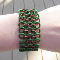 Green and brown stretchy chainmaille bracelet