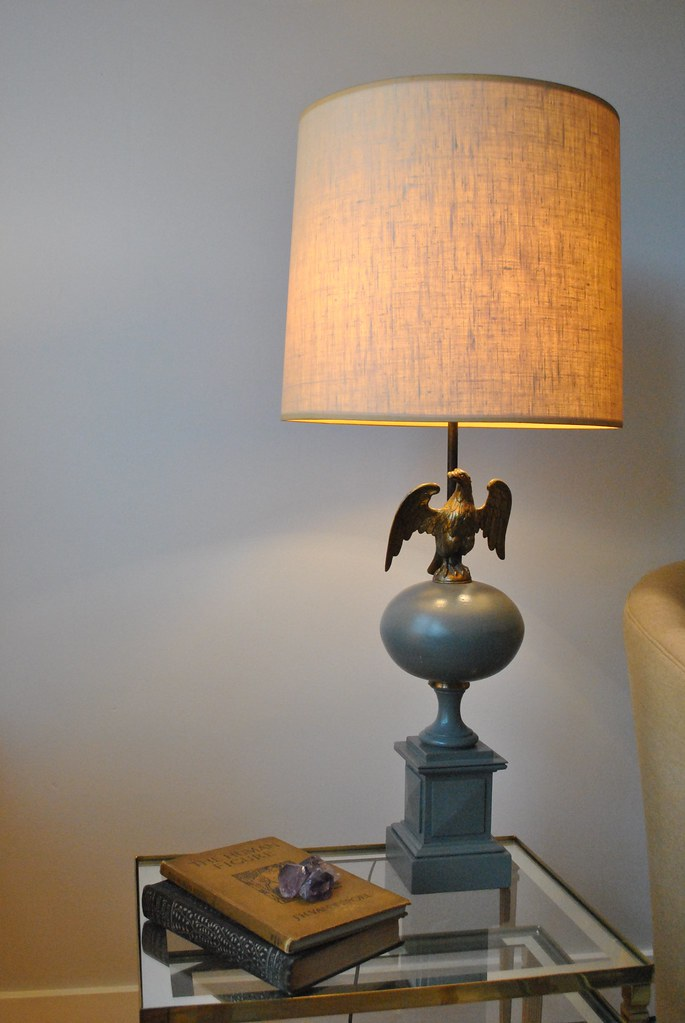 Vintage Colonial Federal Style Eagle Lamp