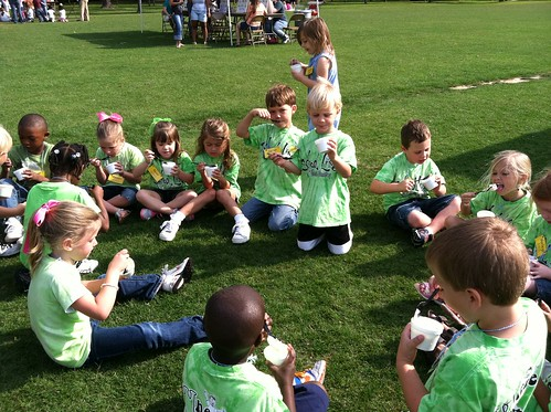 Students enjoying ice cream