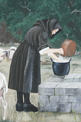 Comodamente scomoda..... (Ivana Barrili) Tags: sardegna sardinia latte murales sardinien nonna formaggio ogliastra sardigna scialle pastorizia casu barisardo messagewall ziedda fardetta muccarori