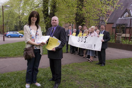 Alva Save Our Sports Complex delivering petition of over 4800 signatures at Clackmannanshire Council HQ