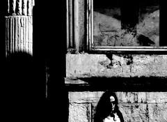 composizione con figura (gpaolini50) Tags: street bw milano emozioni