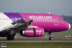 HA-LWB - 4246 - Wizzair - Airbus A320-232 - Luton - 110324 - Steven Gray - IMG_1317