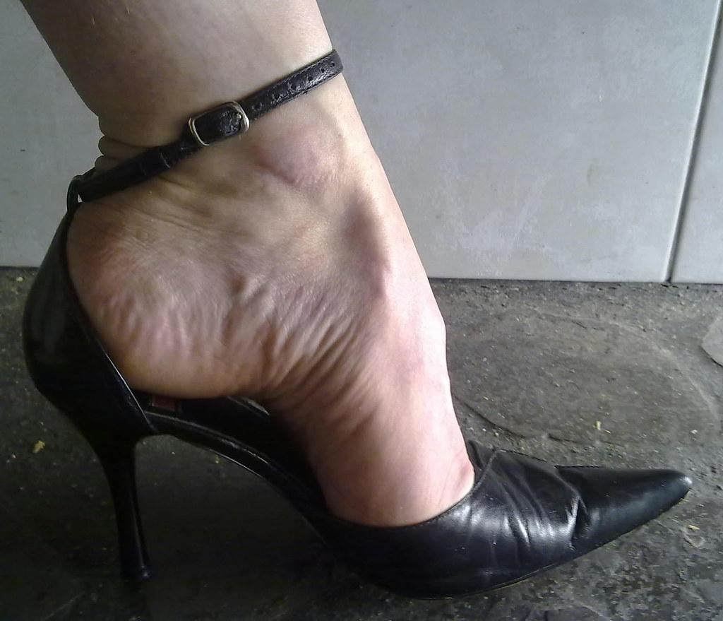 Pointed toe fetish