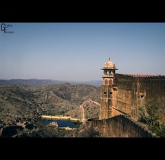 Water reserviour of Amber Palace (Giridhar-Photography) Tags: old blue sky india mountains water amber fort rusty historic hills ranges monuments rajas surrounding jaipur rajasthan fost habitats jaigarh reserviour
