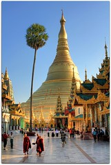 Spiritual Wonder of the World | Shwedagon Paya (Pagoda) | Yangon (I Prahin | www.southeastasia-images.com) Tags: blue sunset sunlight architecture bells diamonds temple gold pagoda buddha yangon burma stupa buddhist special monks palmtree myanmar paya spiritual relics gleaming rangoon entrace buddhists northerngate gettyimagessoutheastasiaq2