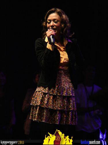 kampoeng-jazz-2011-Syaharani(2)