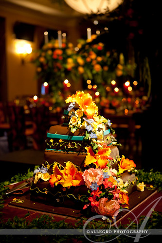 david-tutera-my-fair-wedding-ny-book-details-tropical sugar flowers on chocolate wedding cake