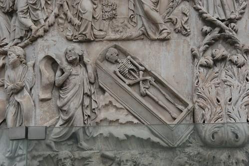 Skeleton in a box; Orvieto Duomo