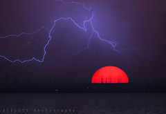 Have a Nice Weekend :D (ZiZLoSs) Tags: sunset canon eos may 7d lightning kuwait aziz  sigma1020mm 2011 abdulaziz  zizloss   ef400mm 3aziz almanie