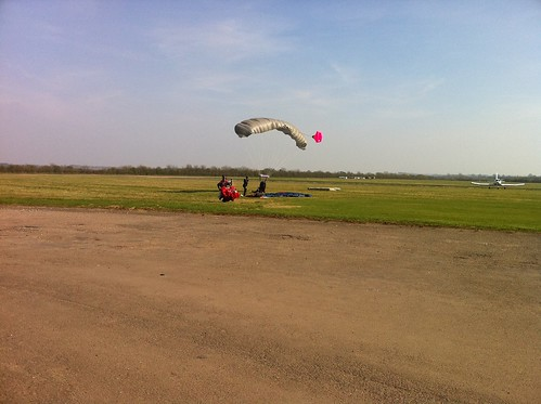 Just after 1st Skydive by thedropinn