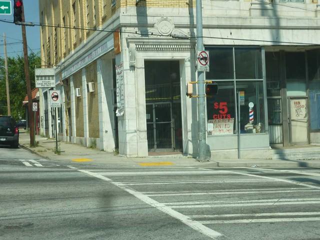 P1110070-2011-05-20-Dill-Ave-at-Metropolitan-Capitol-View-Masonic-Lodge-1921-Corner-Door-Detail-Masonic-Symbol