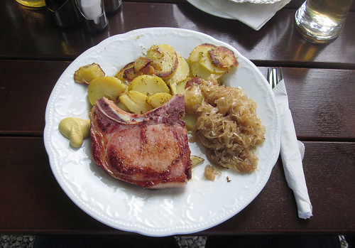 smoked pork chop with sauerkraut & fried potatoes / Kassler mit Sauerkraut & Bratkartoffeln