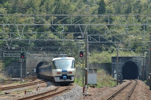 北陸本線のトンネル(新疋田)
