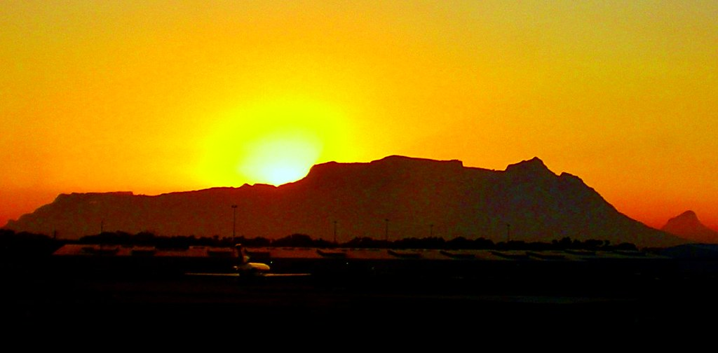 Table Mountain range sunset ...
