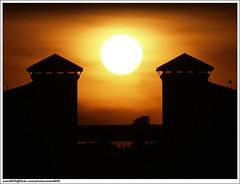 Sunset over UMS Chancellery (sam4605) Tags: sunset sun building ed olympus malaysia borneo kotakinabalu 70300mm e1 sabah pemandangan matahari ums petang zd bangunan chancellery sabahborneo canselori