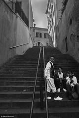 Rom  Treppe mit Jugendlichen  b&w (rainerneumann831) Tags: jugendliche linien rom street treppe
