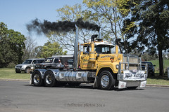 Watego (Full Noise Photos) Tags: mack superliner v8
