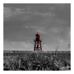 Vuurtoren Den Oever (Onascht) Tags: lighthouse photoart meer nordsee holland leuchtturm nikond610 anderestichwörter monochrome strand egmond photography niederlande blackandwhite vblack colorkey netherland nordholland white