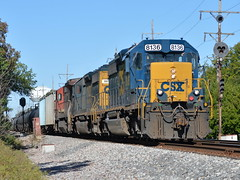 The return! (Robby Gragg) Tags: csx sd402 8136 broadview
