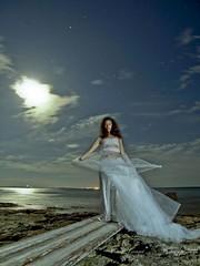 JENNIFER 7 (V. Ferragut) Tags: jennifer playa olympus luna salinas ibiza pasarela nocturna eivissa llena ferragut