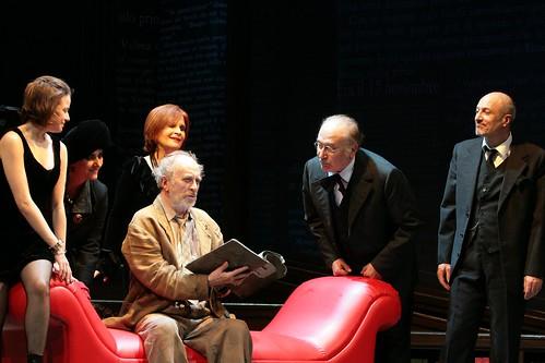 Teatro, l'impari lotta di Ernesto