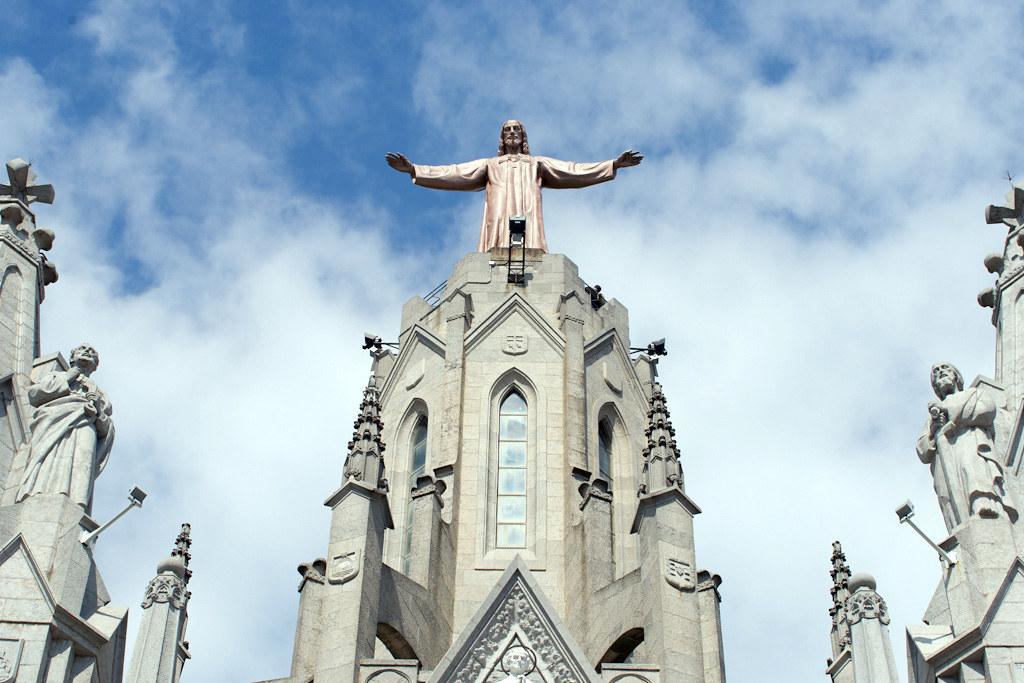 Jesus Atop Temple del Sagrat Cor