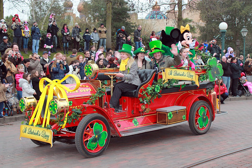 Mickey & Minnie car
