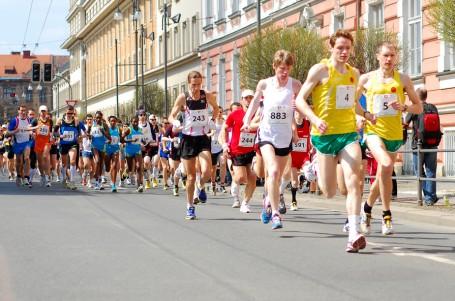 Mistrovství ČR v půlmaratonu: Favority Kreisinger a Kamínková