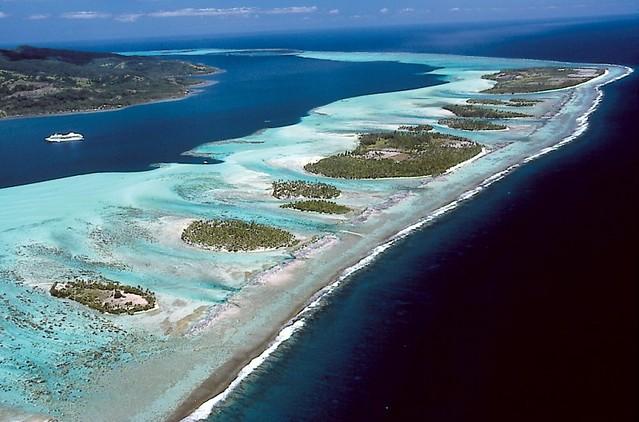 011210065237-2_VDM-Tahiti-lagon