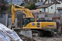 Komatsu (D70) Tags: canada pc spring bc burnaby 300 lc komatsu excavator