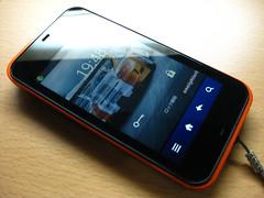 au smartphone SHARP IS03