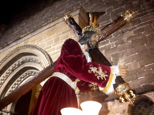 Jesús con la túnica nueva...