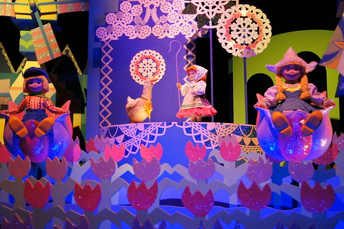 Hong Kong Disneyland Family Trip - It's a Small World