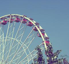 Hyde Park, London (Maria_RL) Tags: park inglaterra blue england sky london azul sony cel hyde cielo londres blau alpha bigwheel noria a300