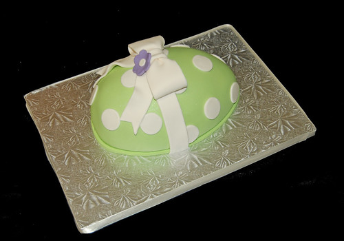 Green polka easter egg cake
