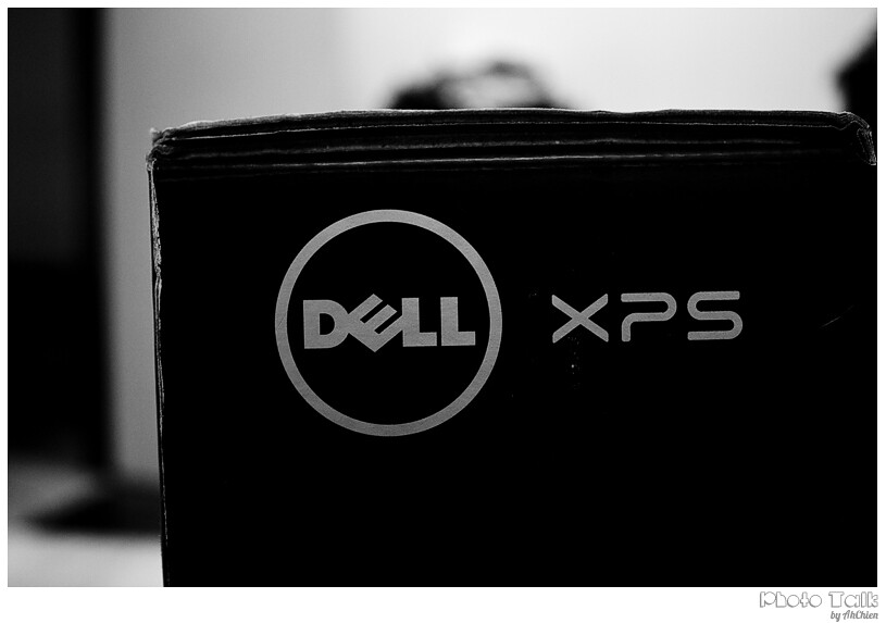 DELL XPS 15 Laptop - package