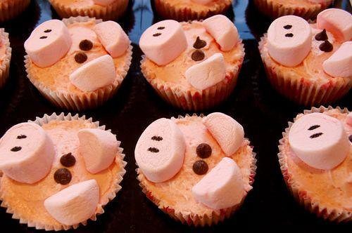 5674738741 23c011f2a8 Farm Animals for your Barnyard Cupcakes