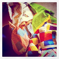 Love that almost all our fort-building quilts are handmade :] #thisiswhyisew - 122.365