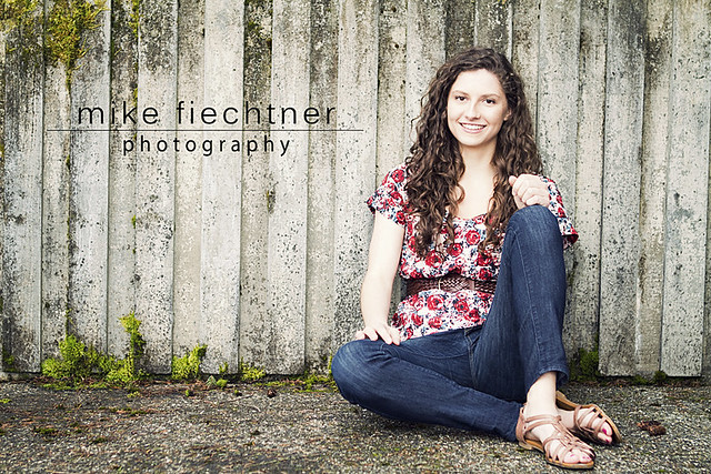 Maddie - Senior Portrait Photographer