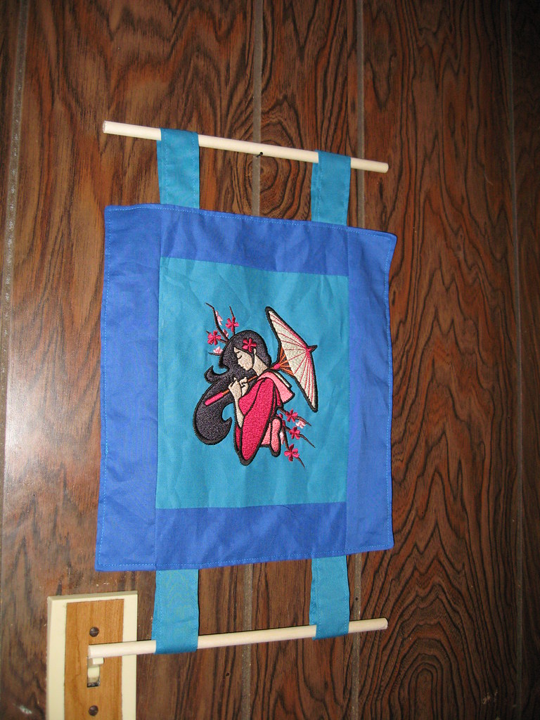 geisha wall hanging