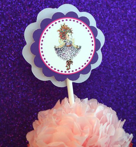 Fancy Nancy Cupcake 1