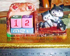 gypsum kalender abdi kucing hitam