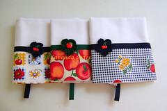 Panos de prato frutas (Lavanda Artes) Tags: frutas handmade craft fruta boto fuxico presente ud panodeprato panodecopa utilidadedomstica flordefuxico enxovaldecozinha copaecozinha