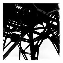 Crane (FTonyC) Tags: blackandwhite monochrome film minoltaautocord kodaktmax fomadonr09 tlr analogue 120film mediumformat bristol crane harbour ironwork