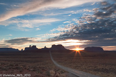 Burst of light (SF knitter) Tags: sunset sun utah flare sunburst monumentvalley fbdg milemarker13