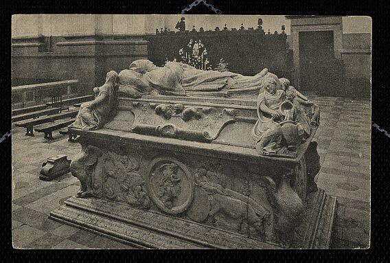 Sepulcro del Cardenal Tavera a inicios del siglo XX. Foto Linares
